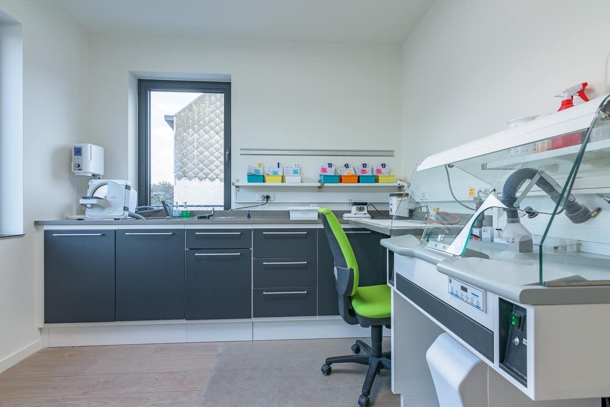 Gipsruimte van dentaal labo Ghysens